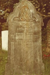 Tombstone Robert and Emma White Alderbury cropped