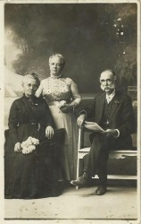 Elizabeth Price is on the left, her husband Thomas is on the right and the woman in the middle is unknown I would love to know who she was!