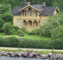 Stunning house en route to Stockholm - photo courtesy Ann Metcher